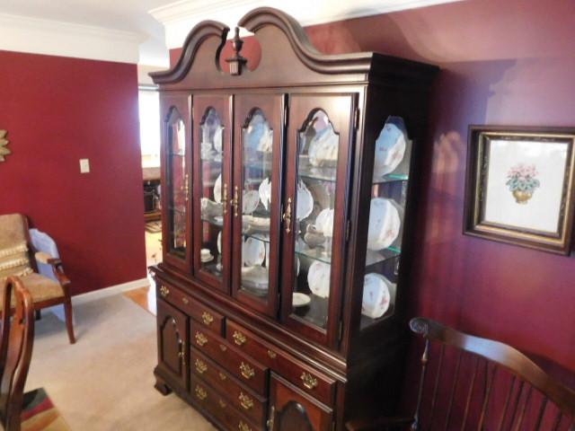 Past Auctions - DSCN5505.JPG