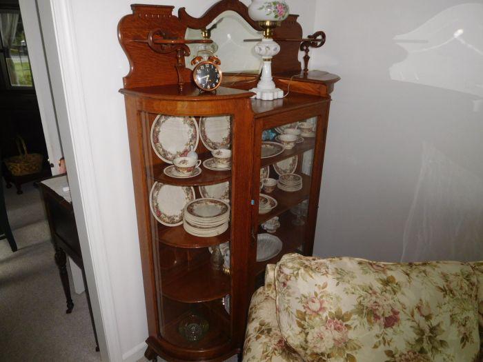 Past Auctions - DSCN9638.JPG